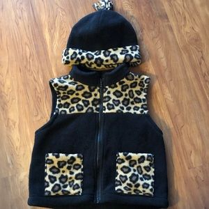 Other - Girls fleece vest with matching hat